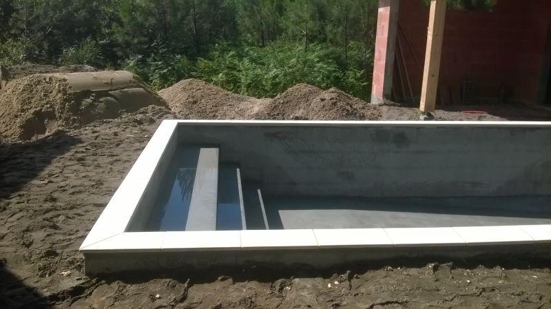 caillebotis pas cher pour terrasse lame de terrasse en. Black Bedroom Furniture Sets. Home Design Ideas