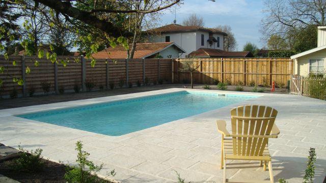 Toutes nos piscines piscine pas cher les piscines de l for Piscine 9x4