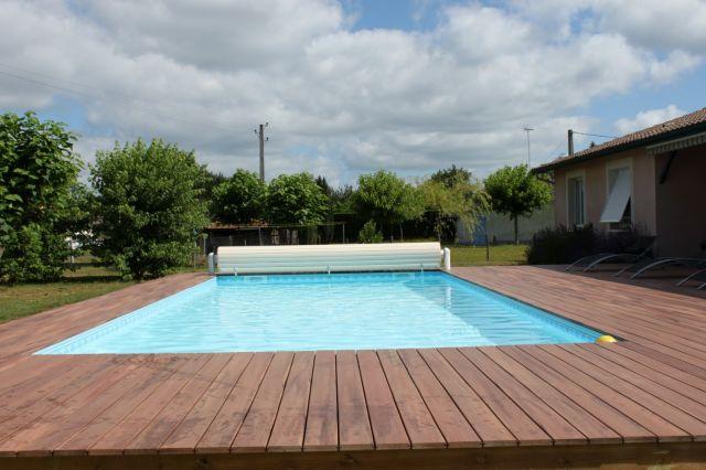 construction piscine hors sol gujan mestras les piscines de l 39 estey. Black Bedroom Furniture Sets. Home Design Ideas