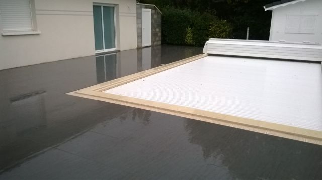 Am nagement des abords de piscine terrasse et pool house for Prix carrelage terrasse